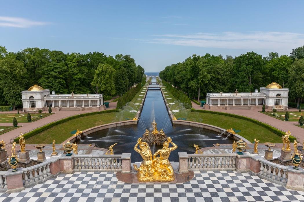 Парки Петергофа ждут посетителей